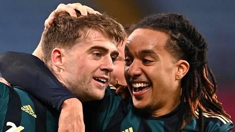 Patrick Bamford (vas.) oli Leedsin sankari perjantai-iltana.