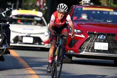 Itävallan Anna Kiesenhofer esitti naisten maantieajossa huiman irtioton ja voitti olympiakultaa.