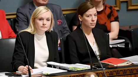Sisäministeri Maria Ohisalo ja opetusministeri Li Andersson eduskunnan suullisella kyselytunnilla 6. helmikuuta 2020.