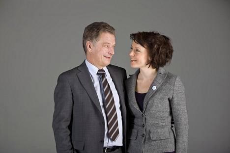 Tasavallan presidentti Sauli Niinistö ja rouva Jenni Haukio ilmoittivat odotetusta perheenlisäyksestä maanantaina.