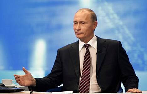 Putinilta kysyttiin myös, miten hän viihtyy pääministerin tuolillaan.