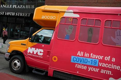 Liikkuva korona rokotuspiste New Yorkissa.
