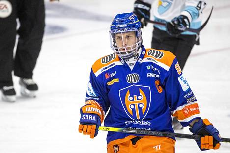 Jukka Peltola toimi viime kaudella Tapparan kapteenina.