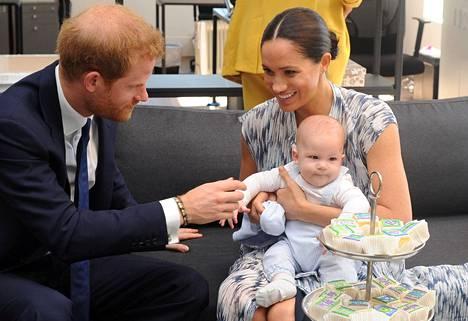 Sussexin herttuapari ja Archie-poika asuvat jatkossa myös Pohjois-Amerikassa.