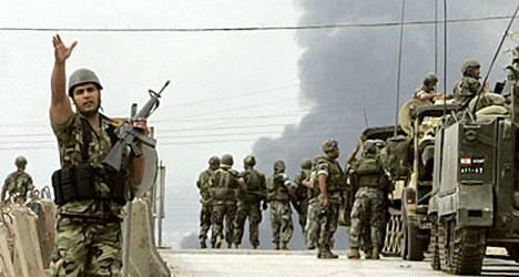 Libanonin armeijan erikoisjoukot tunkeutuivat perjantaina pakolaisleirille.