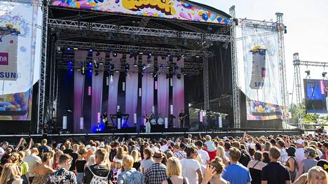 Vuonna 2018 Qstock-festivaali myytiin loppuun. Lavalla nähtiin muun muassa Jenni Vartiainen.