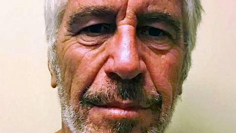 Epstein kuoli sellissään elokuussa.