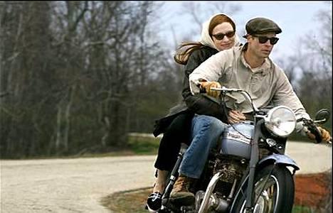 Brad Pitt on pääosassa Benjamin Buttonin uskomaton elämä -elokuvassa.