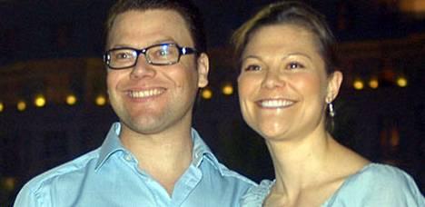 Daniel ja Victoria aurinkoisina Brasiliassa helmikuussa juuri kihlausuutisen julkistamisen alla. Pari menee naimisiin 19. kesäkuuta.