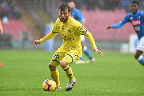 Perparim Hetemaj edustaa Chievo Veronaa.