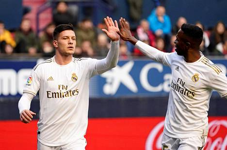 Jovic on päässyt harvoin juhlimaan maaleja Real Madridin paidassa.
