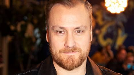 Heikki Paasonen kertoo vauvan saapuneen maailmaan Beatlesin Hey Jude -biisin tahtiin.