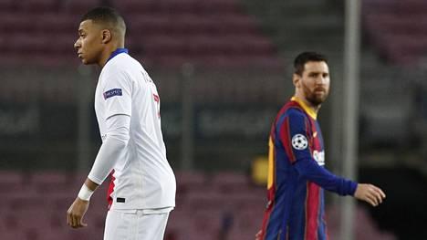 Kylian Mbappe (vas.) ja Lionel Messi osuivat molemmat maaliin Mestarien liigan pudotuspelien avausottelussa.