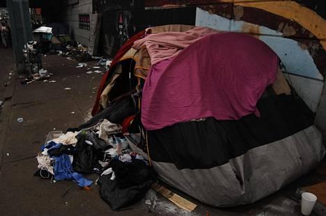 Kodittomien teltta Philadelphiassa vuonna 2005.