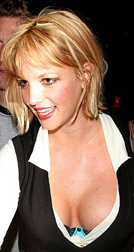 Britney itki ikäväänsä tulevalle ex-miehelleen.