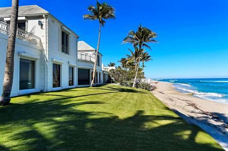 Maryanne Trump Barry myi talon vuonna 2018 Delawareen rekisteröidylle osakeyhtiölle, jonka johtajiksi oli merkitty hänen veljenpoikansa Eric ja Donald Trump Jr.