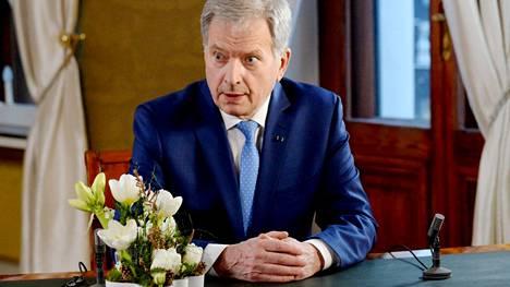 Tasavallan presidentti Sauli Niinistö on huolestunut Suomen koronatilanteesta, kun Suomi on koronan torjunnassa pudonnut Euroopan mallimaasta tartuntojen kärkipäätä kohti.