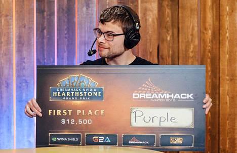 """Ryan """"PurpleDrank"""" Murphy-Root juhli ensimmäistä kansainvälistä turnausvoittoaan Ruotsissa."""