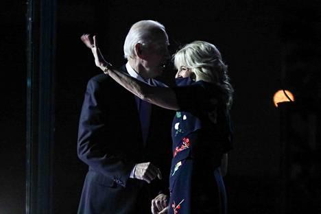 Tuleva presidenttipari on jännittänyt vaalitulosta Joe Bidenin kotikaupungissa Wilmingtonissa.