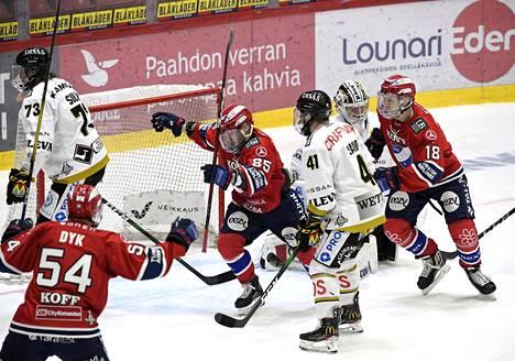 HIFK on vienyt Kärppiä pudotuspeleissä ylivoimaisesti.