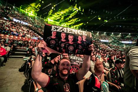 ENCE-fanit eivät ole tänä vuonna saaneet liiemmin juhlia joukkueen menestystä. Kuva Katowice Major -turnauksesta, jossa ENCE ylsi hurjan tuhkimotarinan päätteeksi toiselle sijalle.