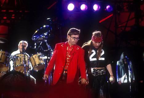 Muistokonsertin hienoimpia hetkiä oli Elton Johnin ja Axl Rosen Bohemian Rhapsody yli 70 000 ihmisen yleisön edessä.
