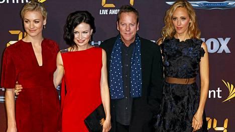 Yvonne Strahovski, Mary Lynn Rajskub, Kiefer Sutherland ja Kim Raver poseerasivat uuden 24-kauden ensi-illassa New Yorkissa toukokuun alussa.