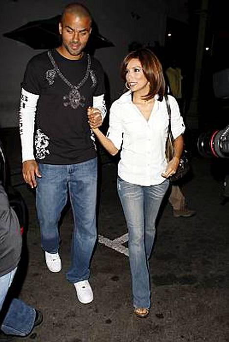 Täydelliset naiset -sarjasta tuttu Eva Longoria on naimisissa koripalloilija Tony Parkerin kanssa.