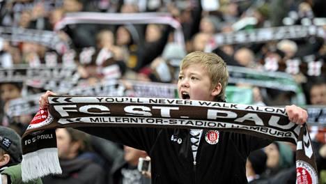 St. Paulin kotiyleisössä on niin nuoria kuin vanhojakin. Kausikorttilaisia on jopa Englannista ja Sveitsistä asti.