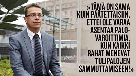 UKK-instituutin johtaja Tommi Vasankari on erittäin huolissaan liikkumattomuuden mukanaan tuomista terveysongelmista ja kustannuksista.