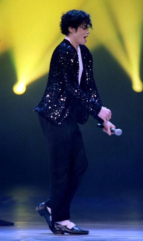 Michael Jackson oli tunnettu Moonwalk-tanssiliikkeestään.