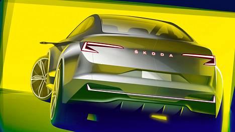 Peräosan muotoilussa korostuvat aerodynaamiset spoilerikulmat ja kristallimaiset led-valot. Takaluukkuun on lisätty merkin tekstilogo.