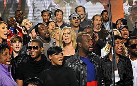 Esimerkiksi Celine Dion, Justin Bieber, Usher, Katharine McPhee, will.i.am, Toni Braxton, Barbra Streisand, LL Cool J, Harry Connick Jr., Wyclef Jean, Vince Vaughn, Jeff Bridges, Natalie Cole olivat mukana We Are The Worldin uudelleennauhoituksissa.