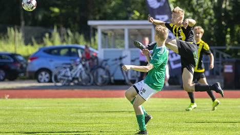 Haminan Pallo-Kissat (vihreä paita) pelasi heinäkuussa Savonlinnassa STPS:ää vastaan. Ottelun yhteydessä haminalaisille tuli uhkauksia Facebookissa.
