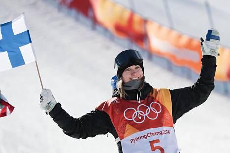 Enni Rukajärvellä on lumilautailussa maailmanmestaruus ja kaksi olympiamitalia.