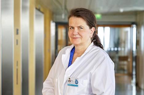 Husin apulaisylilääkäri Eeva Ruotsalainen pitää pääkaupunkiseudun koronatilannetta vakavana.