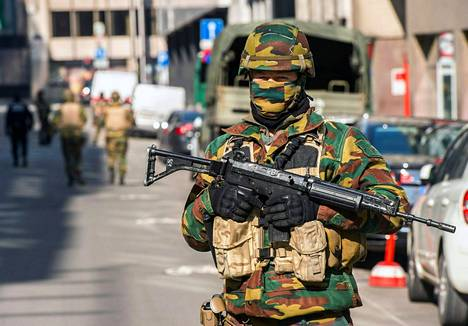 Brysselin kaduilla on partioinut runsaasti sotilaita terrori-iskujen jälkeen.