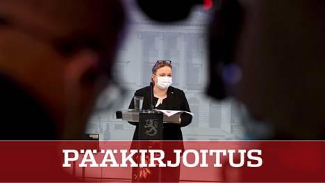 Krista Kiuru saa sosiaalidemokraattien hallituskumppanin keskustan tuen keskiviikon luottamuslauseäänestyksessä. Tiistaina ministeri esitteli hallituksen sote-linjauksia.