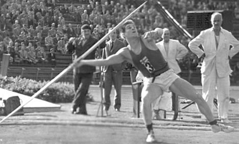 Väinö Kuisma Unkari–Suomi -maaottelussa lokakuussa 1960.
