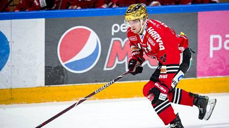 JYPin Julius Nättinen vietti neljän pisteen iltaa Tapparaa vastaan. Hän johtaa SM-liigan pistepörssiä.