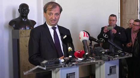 Hjallis Harkimo eroaa kokoomuksesta – arvostelee kovin sanoin puoluetta