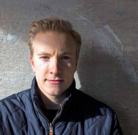 Janne Puhakka työskentelee nykyään suomalaisessa urheiluvälinekonsernissa.