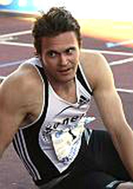 400 metriä imi Jaakko Ojaniemestä mehut.