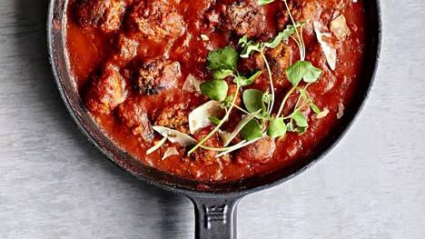 Toiveruokapäivä! Italialaistyylisessä tomaattisessa lihapullakastikkeessa on maut kohdallaan.