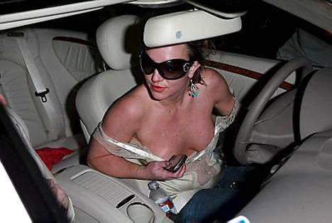 Britney Spears säästää: väärennetty Gucci tarttui mukaan Meksikosta.