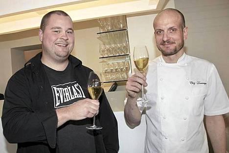 Hans Välimäki skoolasi Suomen ensimmäisen Top Chef -voittajan Akseli Herlevin kanssa.