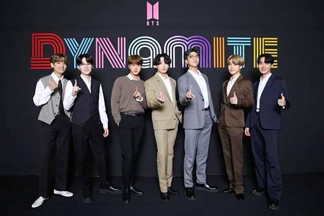 Yksi lakimuutoksen hyötyjistä olisi BTS, yksi maailman suosituimmista K-pop -yhteistä.