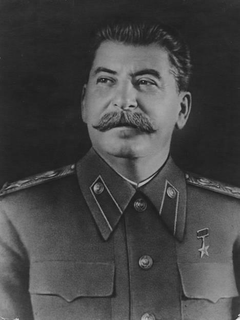 Diktaattori Josif Stalin käytti menestyksekkäästi hybridisodankäynnin keinoja.