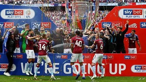 Aston Villa pelaa ensi kaudella Valioliigassa.