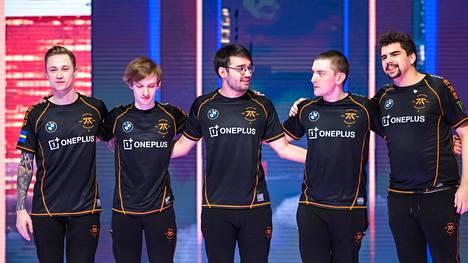 Fnatic on pudotuspelien toinen eurooppalaisnimi G2:n ohella. Fnatic kohtaa puolivälierissä kisojen ykkösnimen Top Esportsin.